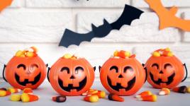Les enfants devraient-ils faire des trucs ou des friandises? Voici comment rendre Halloween moins effrayant