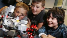 Raisons pour lesquelles les enfants devraient connaître la robotique
