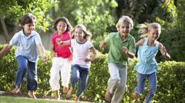 Jeux de fête en plein air pour les enfants