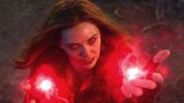 WANDAVISION: La star Elizabeth Olsen taquine la sorcière écarlate précise de la bande dessinée; Commentaires sur la suite de DOCTOR STRANGE