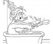 Coloriage Donald Duck dans la salle de bain