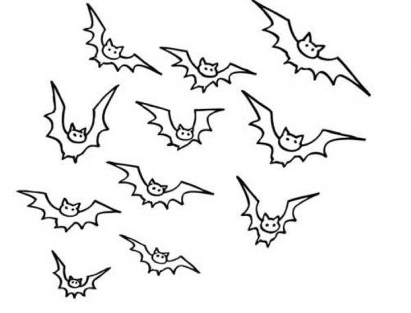 Coloriage et dessins gratuits Chauves-souris faisant leur sorti à imprimer