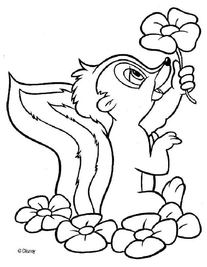 Coloriage et dessins gratuits Moufette porte une fleur à imprimer