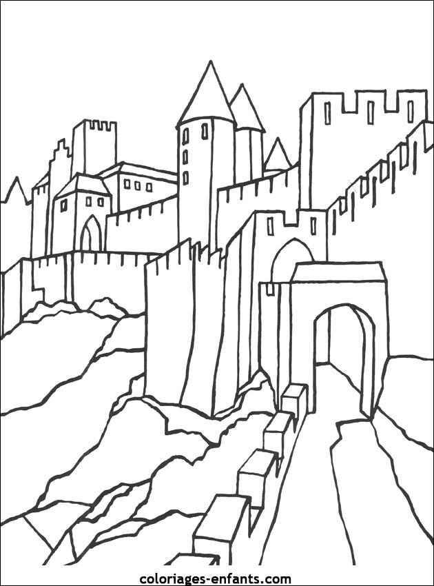 Coloriage Chateau Avec Les Murs Forts Dessin Gratuit A Imprimer