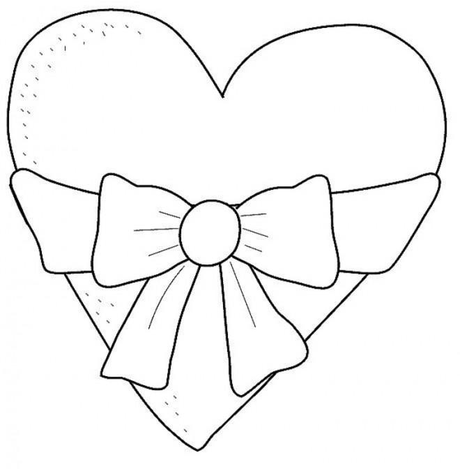 Coloriage et dessins gratuits Coeur décoré avec Noeud à imprimer