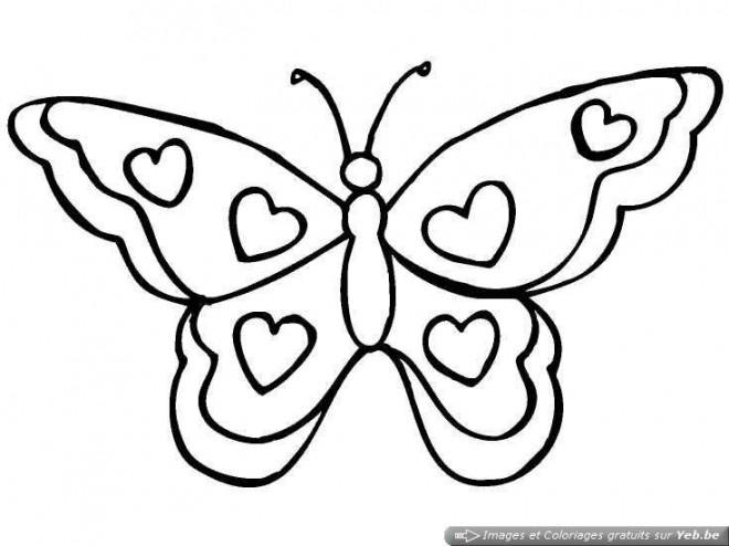 Coloriage et dessins gratuits Papillon décorée avec des Coeurs à imprimer