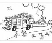 Coloriage Camion de Pompier se dirige vers L'incendie