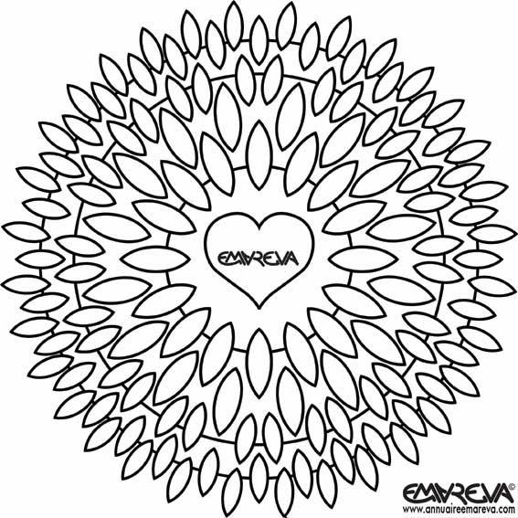 Coloriage et dessins gratuits Mandala Fleurs en forme de Coeur à imprimer