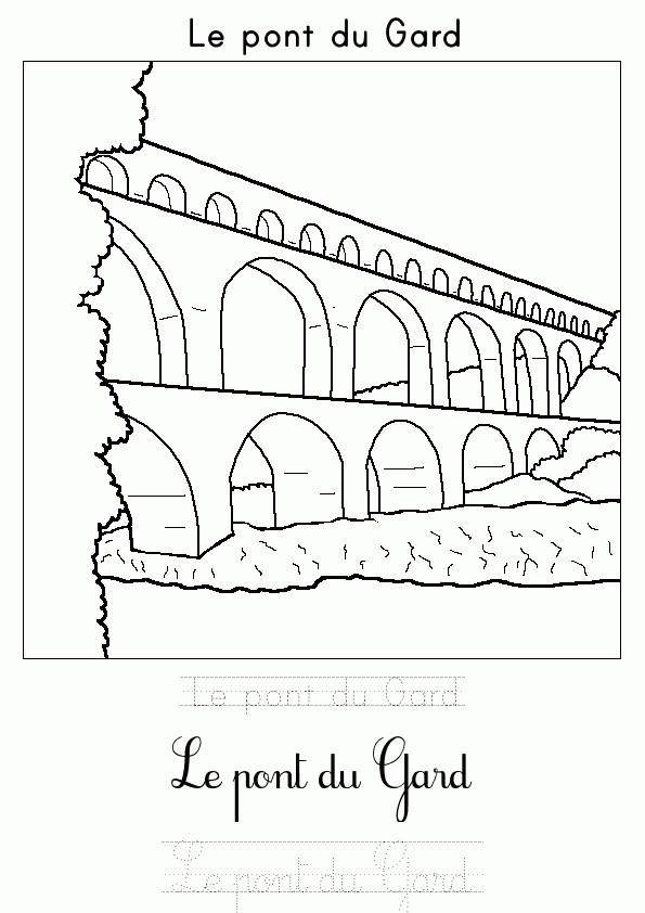 Coloriage et dessins gratuits Le Pont du Gard à imprimer