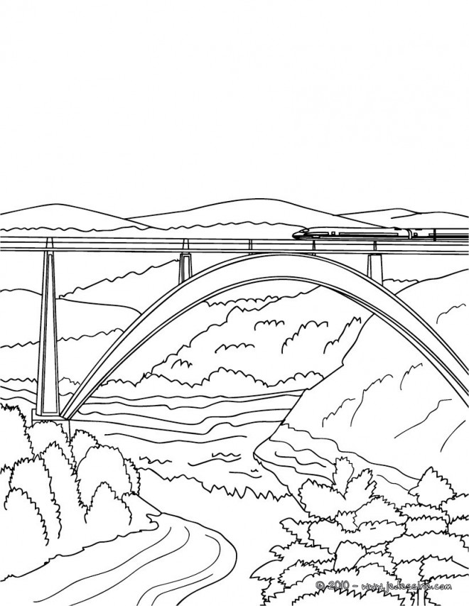 Coloriage et dessins gratuits Train sur Pont à imprimer