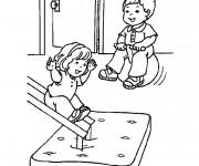 Coloriage Les Enfants s'amusent  Maternelle