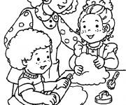 Coloriage et dessins gratuit Maman et ses Filles à La cuisine à imprimer
