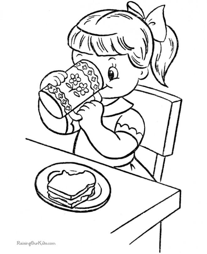 Coloriage et dessins gratuits La Fillette mange Le  Sandiwch à imprimer