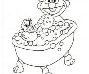 Coloriage et dessins gratuit Enfant dans Une Baignoire à imprimer
