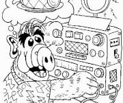 Coloriage et dessins gratuit Alf met de la musique à imprimer
