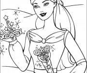 Coloriage Barbie tient sa couronne en main