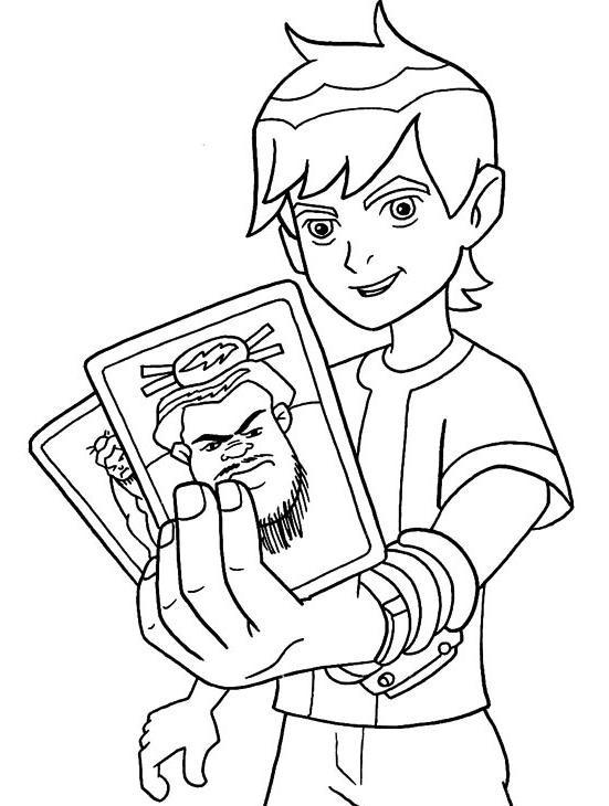 Coloriage et dessins gratuits Ben 10 tient deux cartes à imprimer