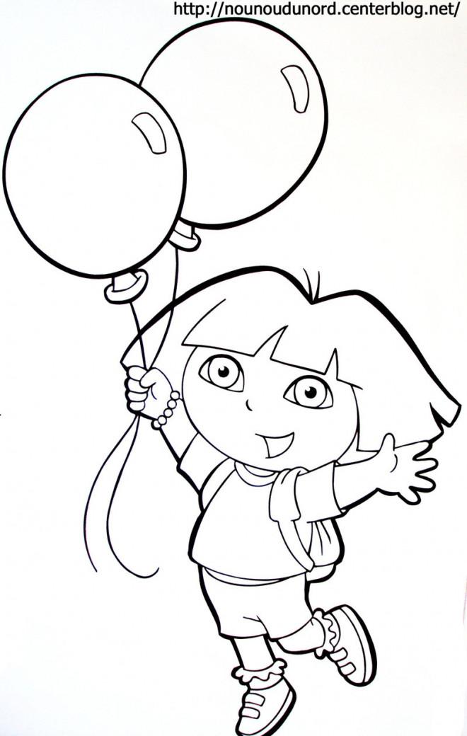Coloriage et dessins gratuits Dora tient deux ballons à imprimer