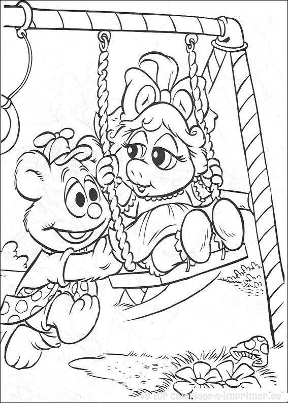 Coloriage et dessins gratuits Bébé Miss Piggy et ours s'amusent en couleur à imprimer