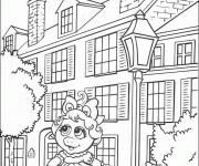 Coloriage Miss Piggy devant sa maison facile