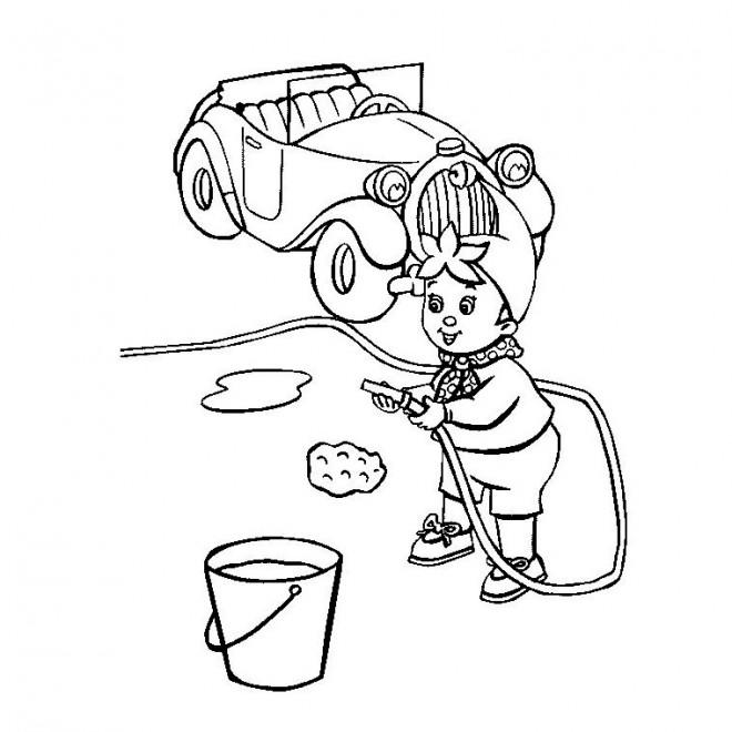 Coloriage et dessins gratuits Oui Oui nettoie sa voiture à imprimer