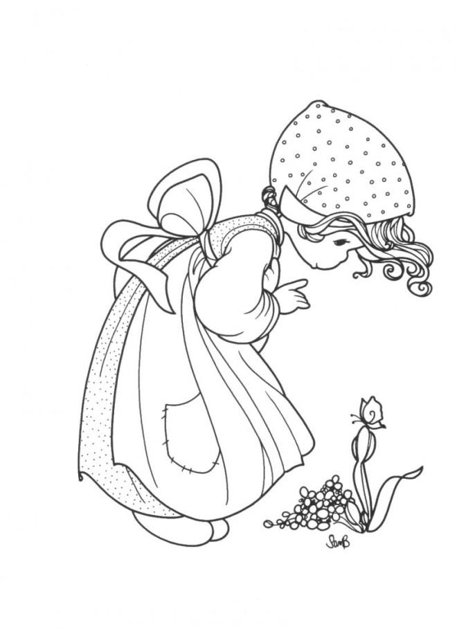 Coloriage et dessins gratuits Sarah Kay admire le papillon à imprimer