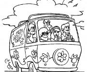 Coloriage et dessins gratuit Scooby doo en voiture à imprimer