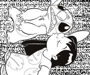 Coloriage Lilo embrasse Stitch mignon