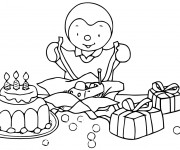 Coloriage Tchoupi ouvre ses cadeaux pour enfant