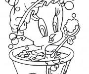 Coloriage Titi fait une douche