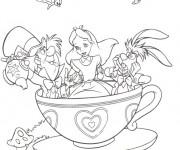 Coloriage Alice, le chapelier Toqué et le lièvre dans une tasse