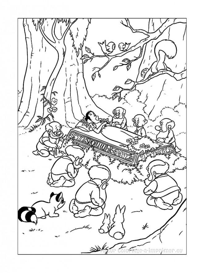 Coloriage et dessins gratuits Blanche Neige dans le cercueil à imprimer