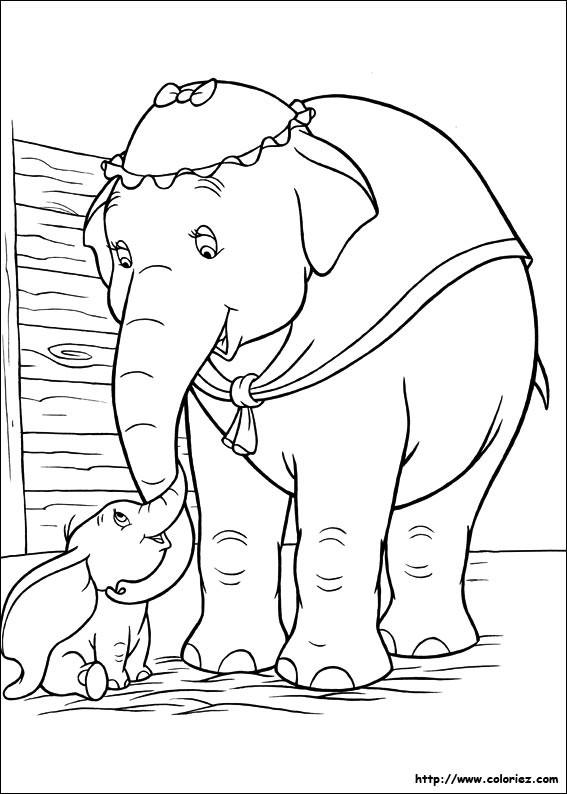 Coloriage et dessins gratuits Madame Jumbo caresse Dumbo à imprimer