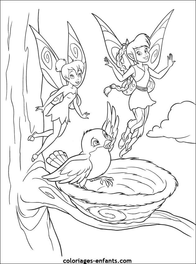 Coloriage et dessins gratuits Fee Clochette avec Noa à imprimer
