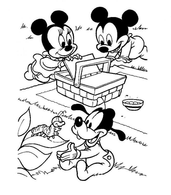 Coloriage et dessins gratuits Les petits Mickey, Minnie et Pluto en picnic à imprimer