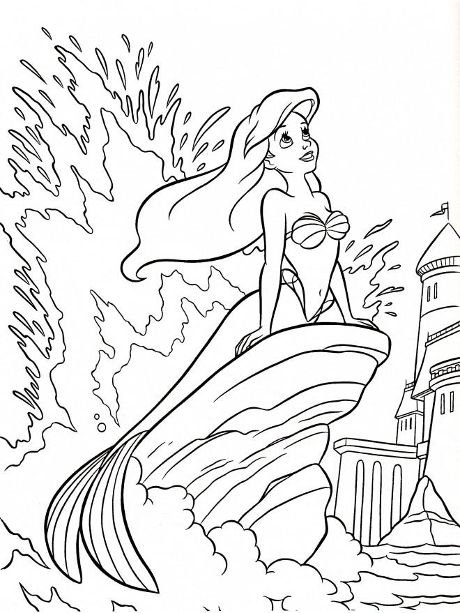 Coloriage et dessins gratuits Princesse Ariel entrain de rêver à imprimer
