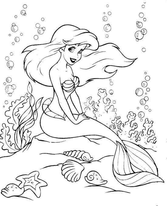 Coloriage et dessins gratuits Princesse Ariel assise en pleine mer à imprimer