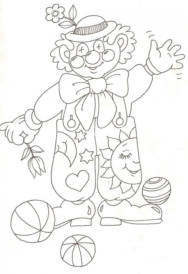 Coloriage et dessins gratuits Le clown porte la fleur à imprimer
