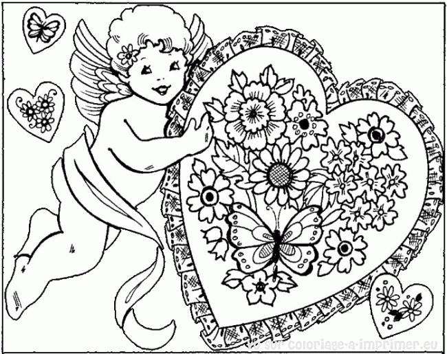 Coloriage et dessins gratuits Ange d'amour portant Un Coeur à imprimer