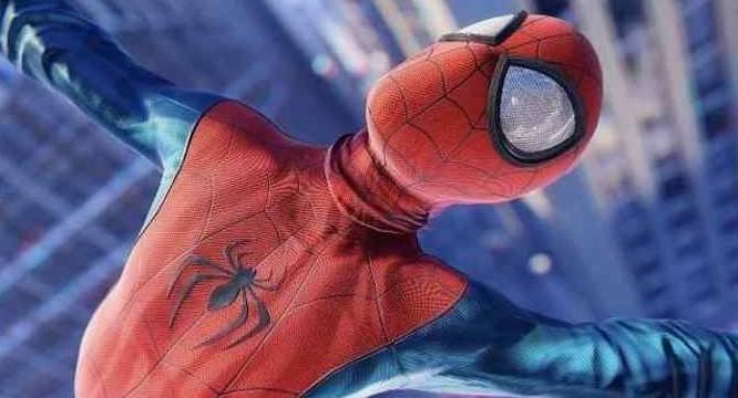SPIDER-MAN: Deux costumes pour le nouveau Wall-Crawler