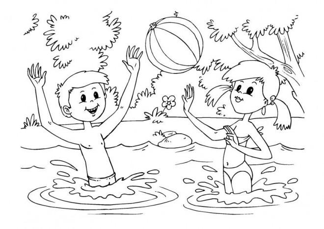 Coloriage et dessins gratuits Les Enfants s'amusent dans l'eau à imprimer