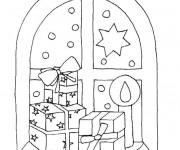 Coloriage Cadeaux de Noël sur La fenêtre