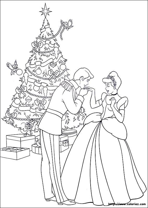 Coloriage et dessins gratuits Cendrillon et Le Sapin de Noel à imprimer