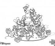 Coloriage et dessins gratuit Les Personnages de Disney préparent le Sapin Noel à imprimer