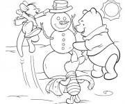 Coloriage et dessins gratuit Winnie et le bonhomme de neige à imprimer