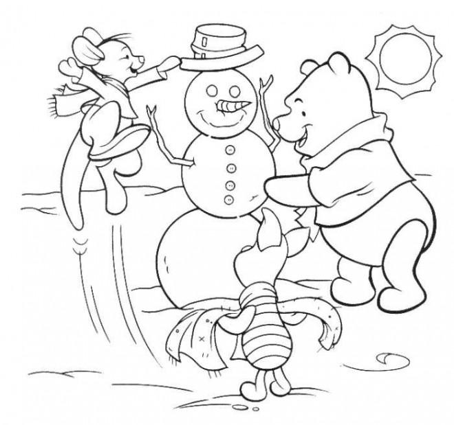 Coloriage et dessins gratuits Winnie et le bonhomme de neige à imprimer