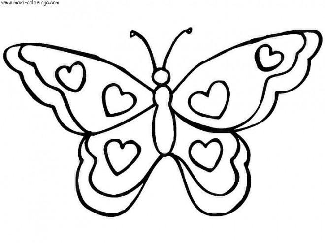 Coloriage et dessins gratuits Papillon décoré avec des Coeurs à imprimer