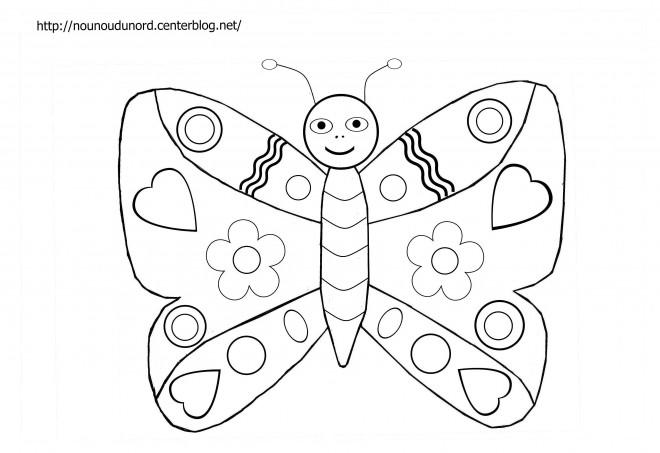 Coloriage et dessins gratuits Papillon mignonne à imprimer