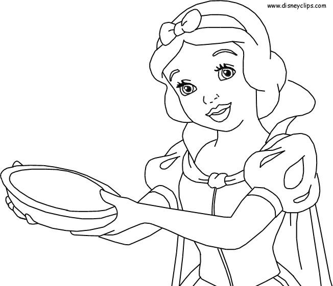 Coloriage et dessins gratuits Princesse Blanche Neige prépare le gâteau à imprimer