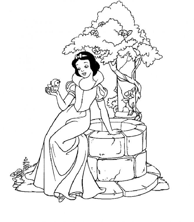 Coloriage et dessins gratuits Princesse Blanche Neige près de puit à imprimer